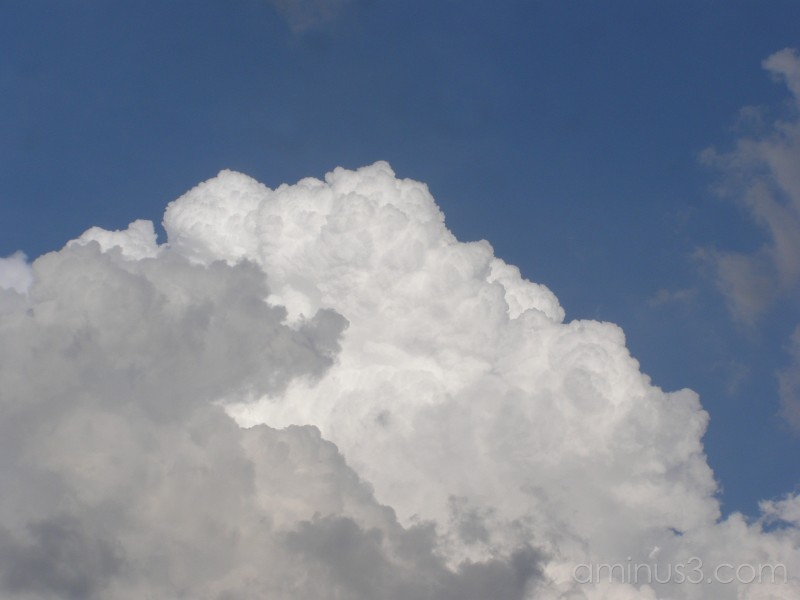 Clouds contrast