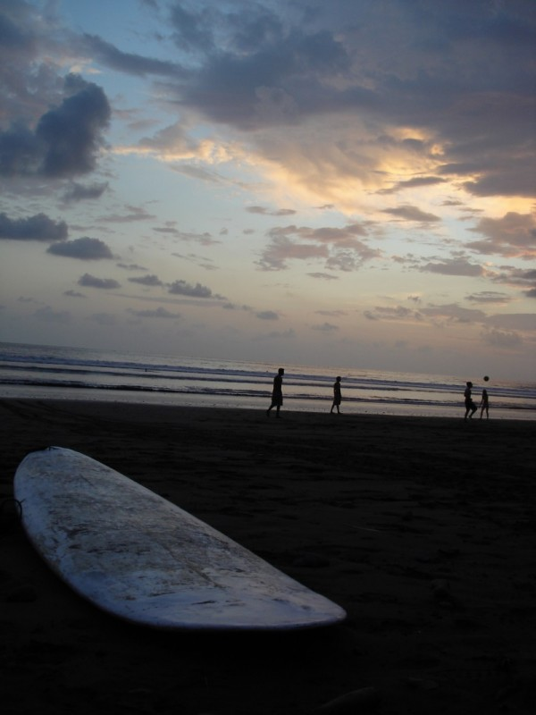 Surfing in Dominical