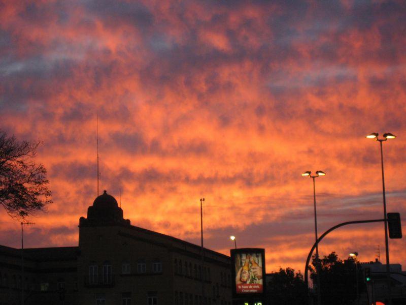 Incendio al amanecer