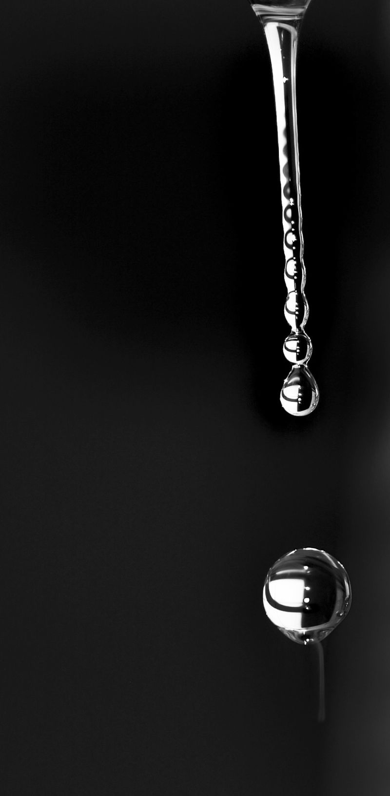 Water Drop (B&W)