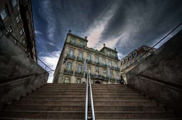 Chiado - A view from the underground stairs