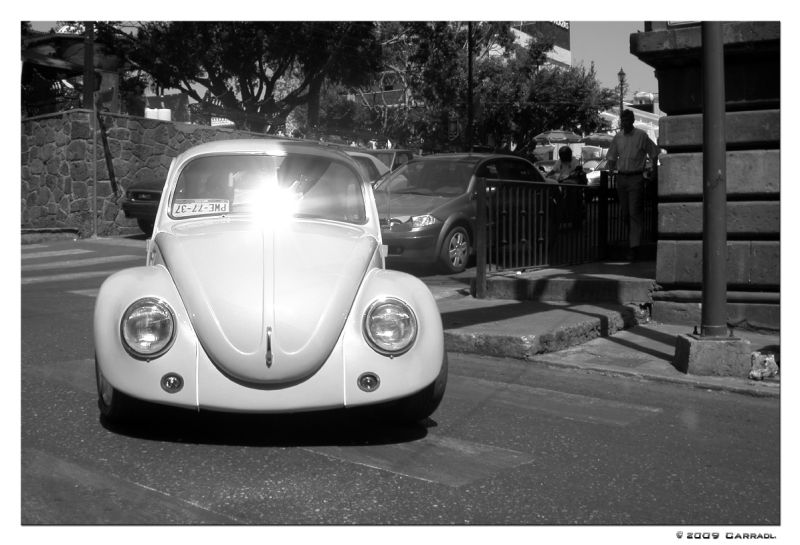 A restored VW beetle in the streets of Cuernavaca.