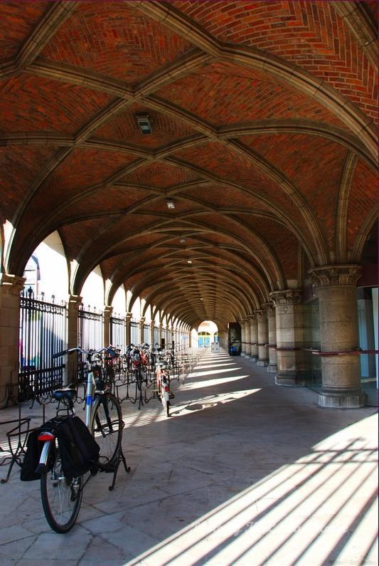 leuven belgium university arch building