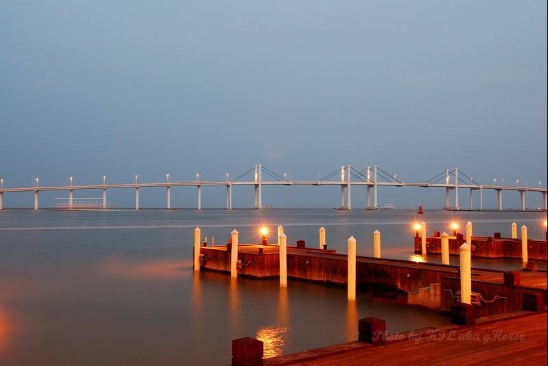 Macau Pier Dust water bridge