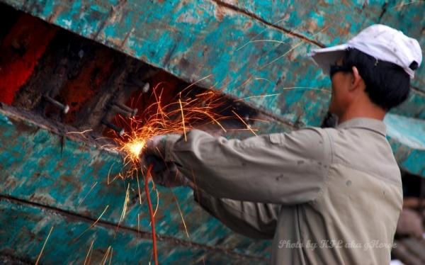 Sanmei Shipyard worker