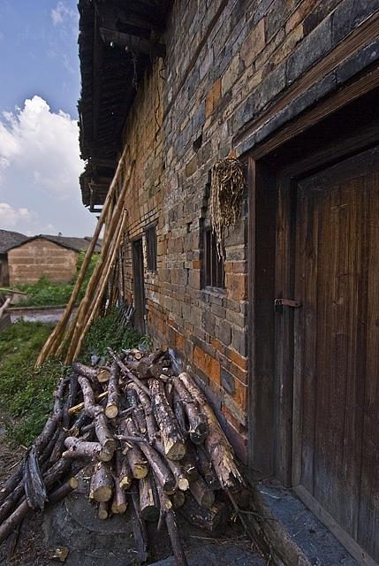 wood branches house XiaoDongJiang