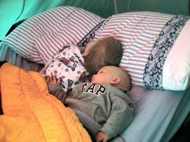 babies camping