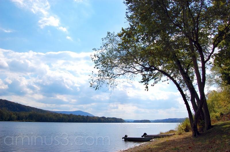 A serene Susquehanna River photo