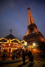 carousel in paris Tour eiffel tower Auf dem Brinke