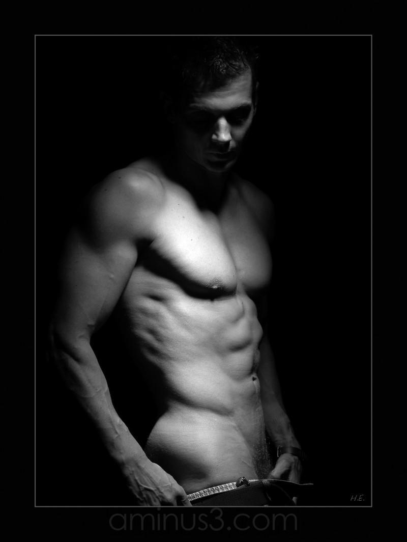 body man b§w