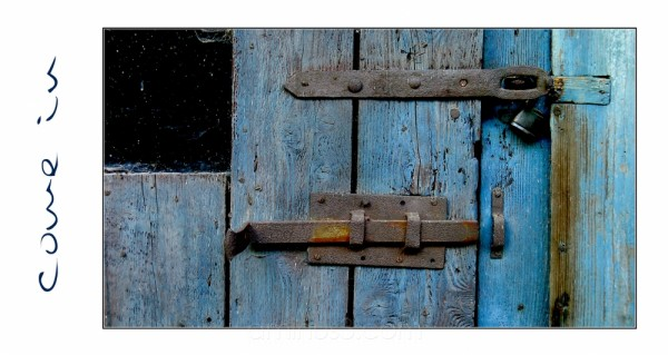 door rusty crusty structure blue
