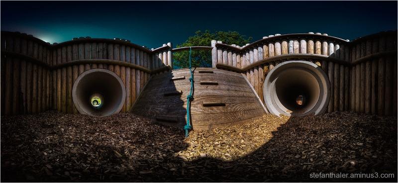 creepy playground, gruseliger Spielplatz,