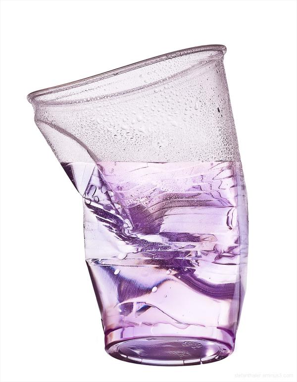 rumpled plastic cup, cup, Plastikbecher