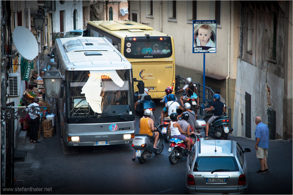 itelian street, Italian traffic chaos