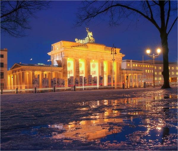 Brandenburger Tor, Berlin, rain puddles