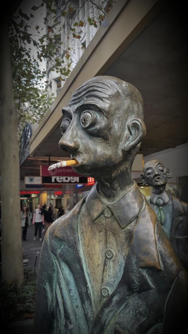 Melbourne statue cigar