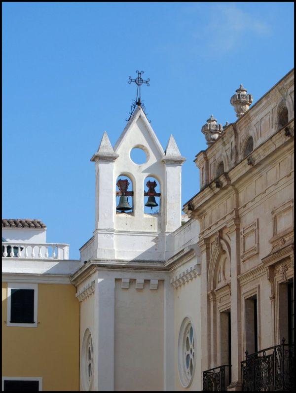 6. Campanades, campanars, creus i crists...