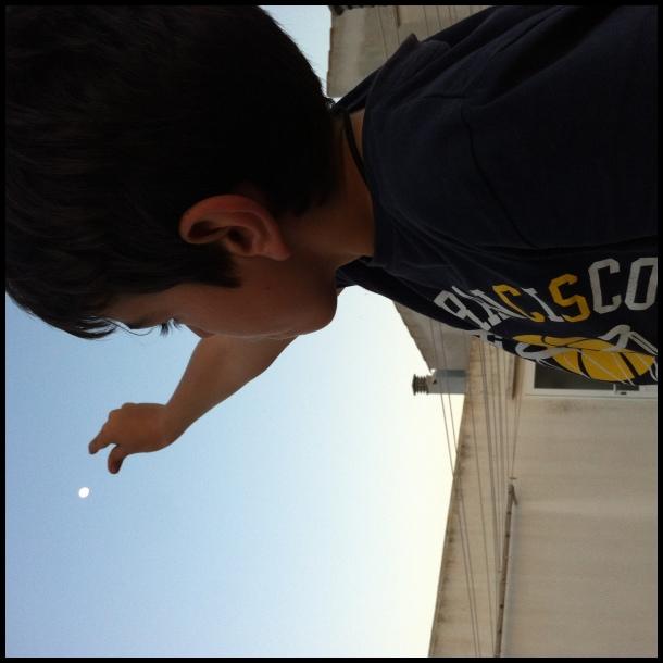 Agafant la lluna