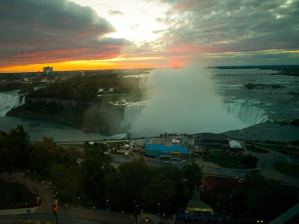 Horseshoe Falls at sunrise