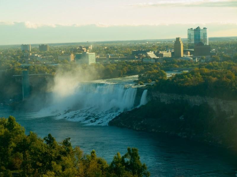 Early morning view of Niagara Falls, NY