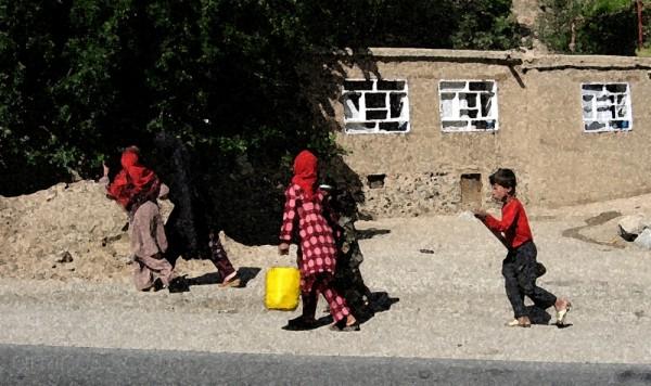 Children in Salang Pass