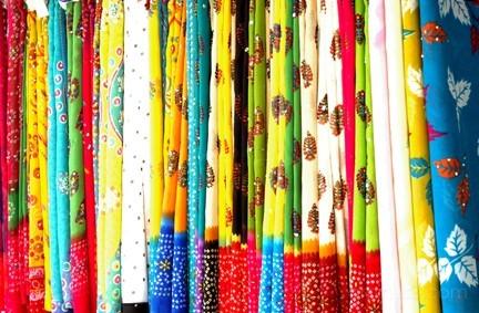 sari display