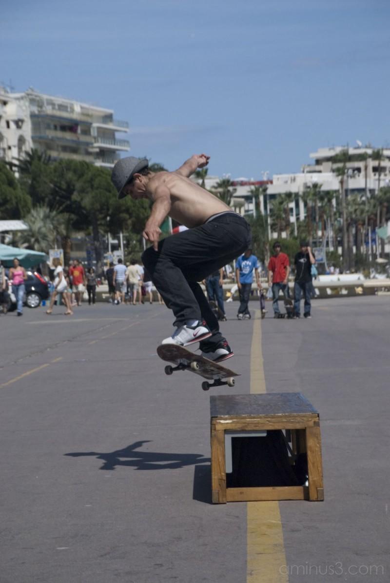 skate boarder in cannes