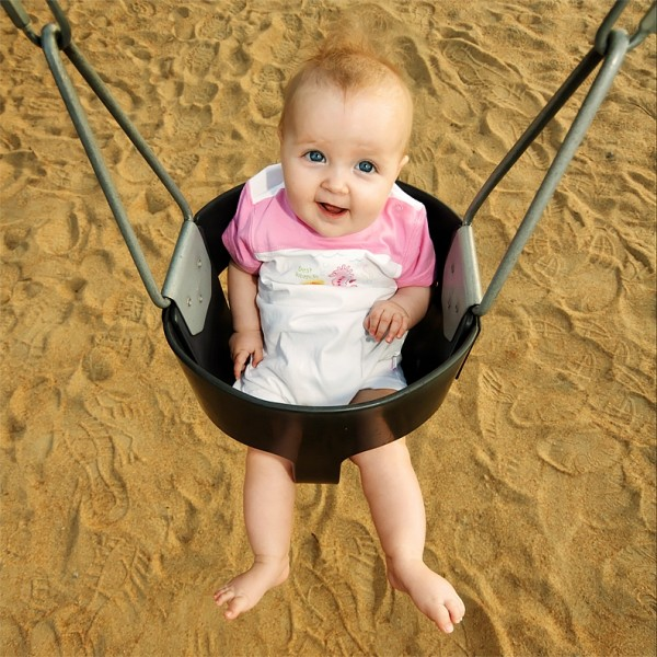 Alexia on the Swing 02