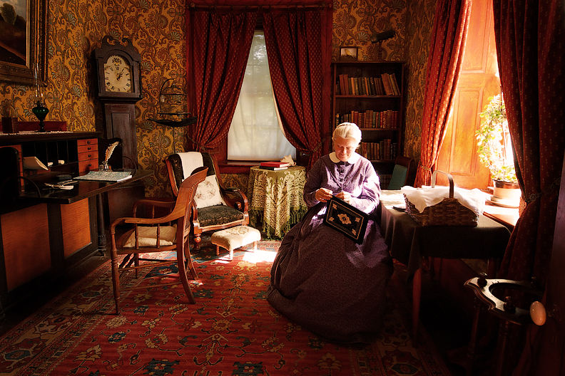 Trip to 1860: Rich Old Lady