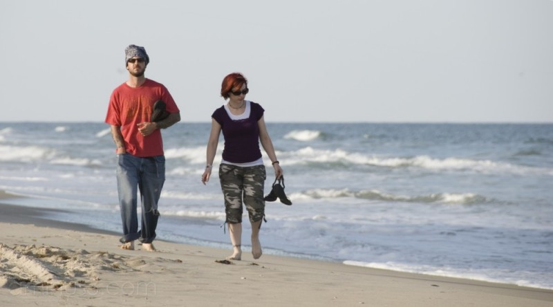 People - North Carolina beach couple