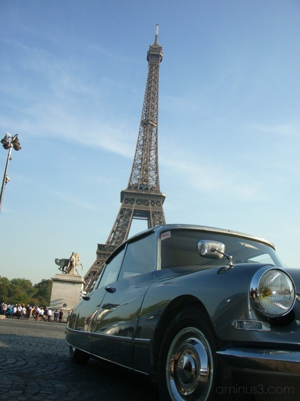 Citroen in front of Eiffel Tower
