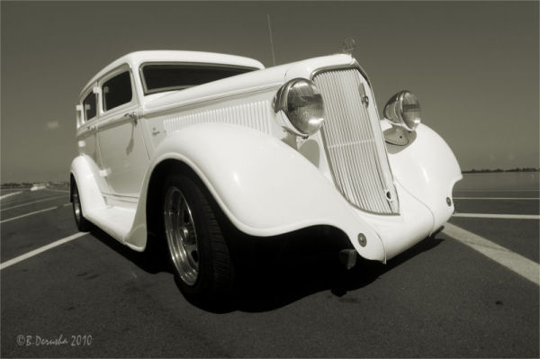 1934 Plymouth in Platinum (2)