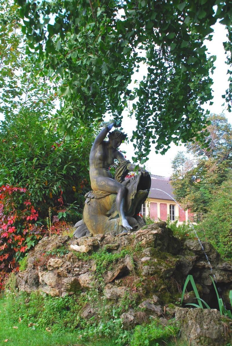 statue au jardin des plantes à Paris