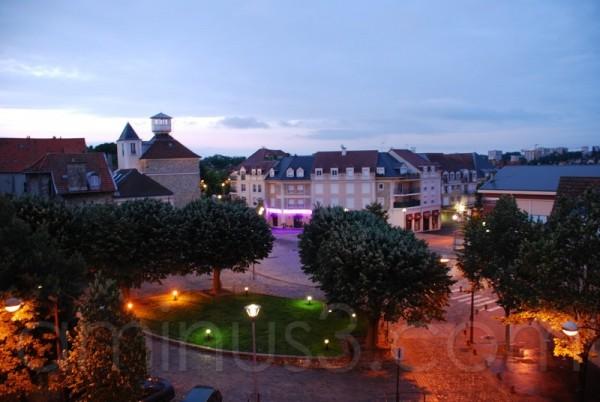 la place du marché à Villiers sur Marne