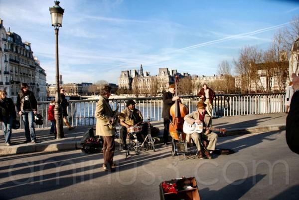 Le René Miller Jazz Band sur le pont Saint Louis