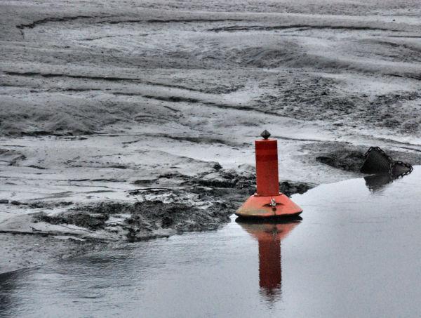 Une bouée rouge, du coté de Morlaix