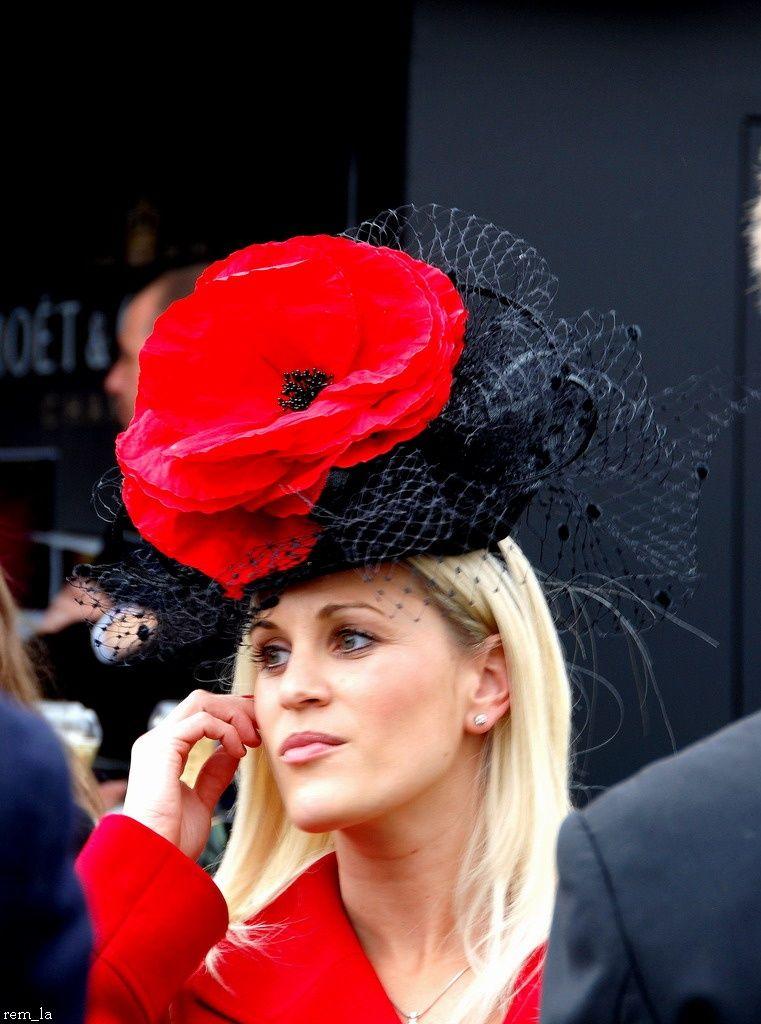 chapeau,longchamp,qatar,élégance