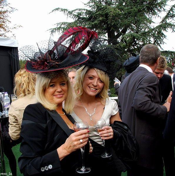 chapeau,qatar,longchamp,élégance