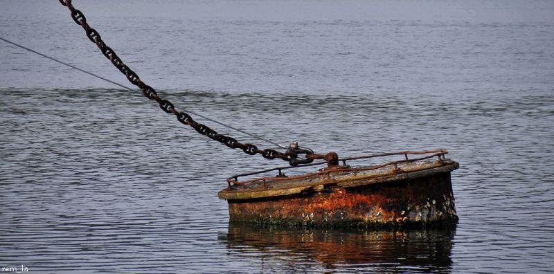 bateau,epave,mer,cimetiere,bretagne,bouée