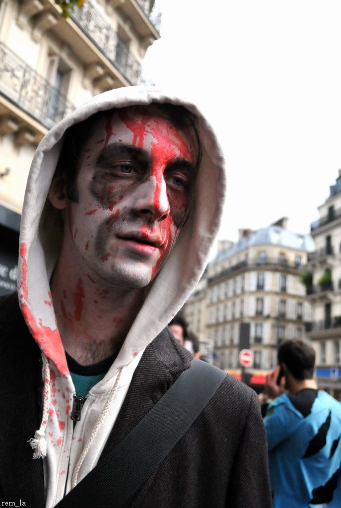 zombie,walk,paris,portrait