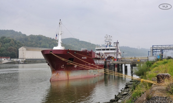 rouen,port,bateau,navire