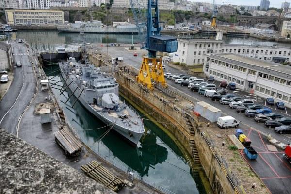 Le port militaire de  Brest 14