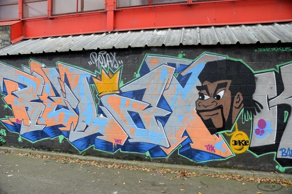 tag,street,Saint-Ouen