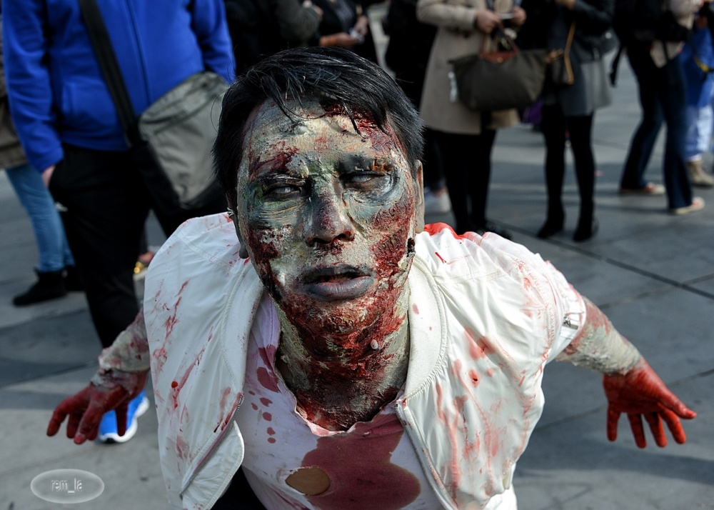 zombie,walk,paris,
