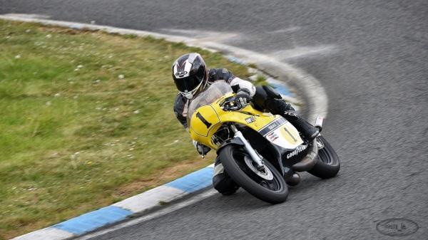 iron,moto,circuit,carole