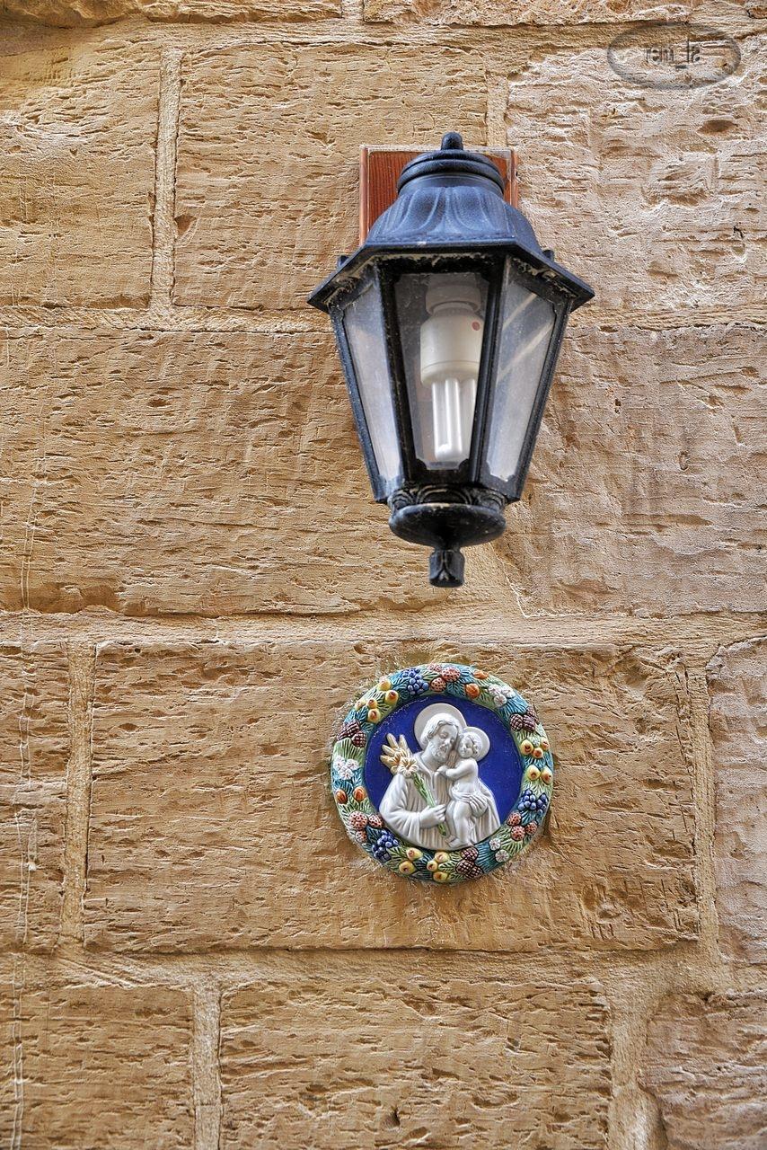 maltes,porte,lanterne