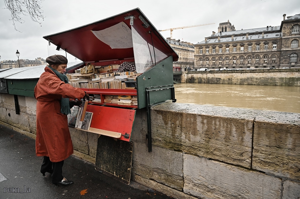bouquiniste,seine,paris