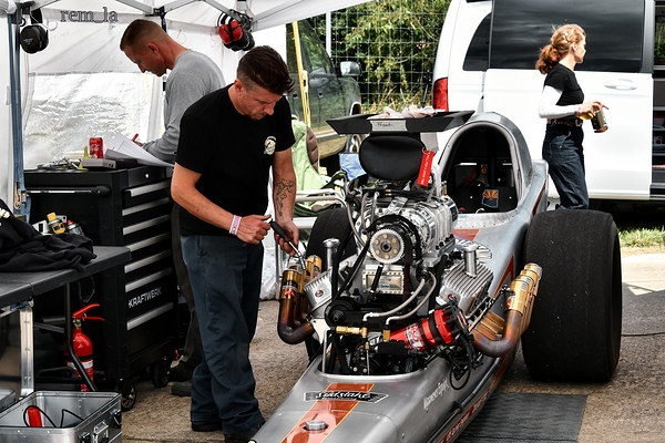 dragster,clastres