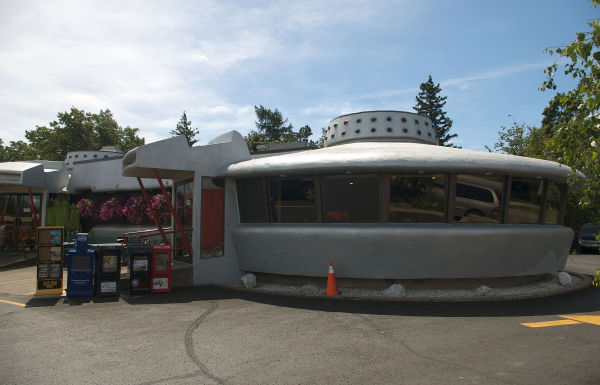 The Flying Saucer Restaurant - Silly Tuesday