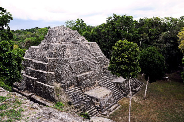 Pyramide at Yaxhá National Park , Guatemala
